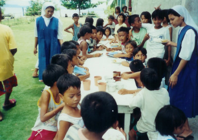 Picture 14b - Islets-barrio-feeding